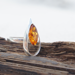 TEAR DROP AMBER SILVER RING